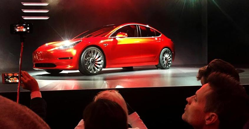 Tesla hits Model 3 manufacturing milestone, hours after deadline