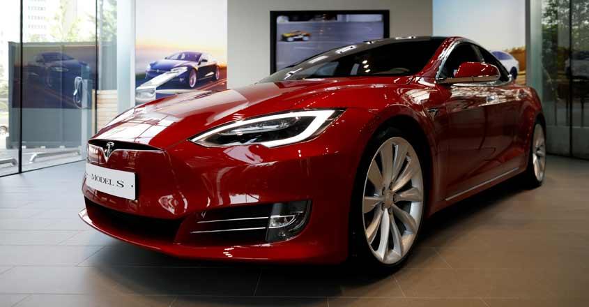Electric Mercedes opens German assault on Tesla
