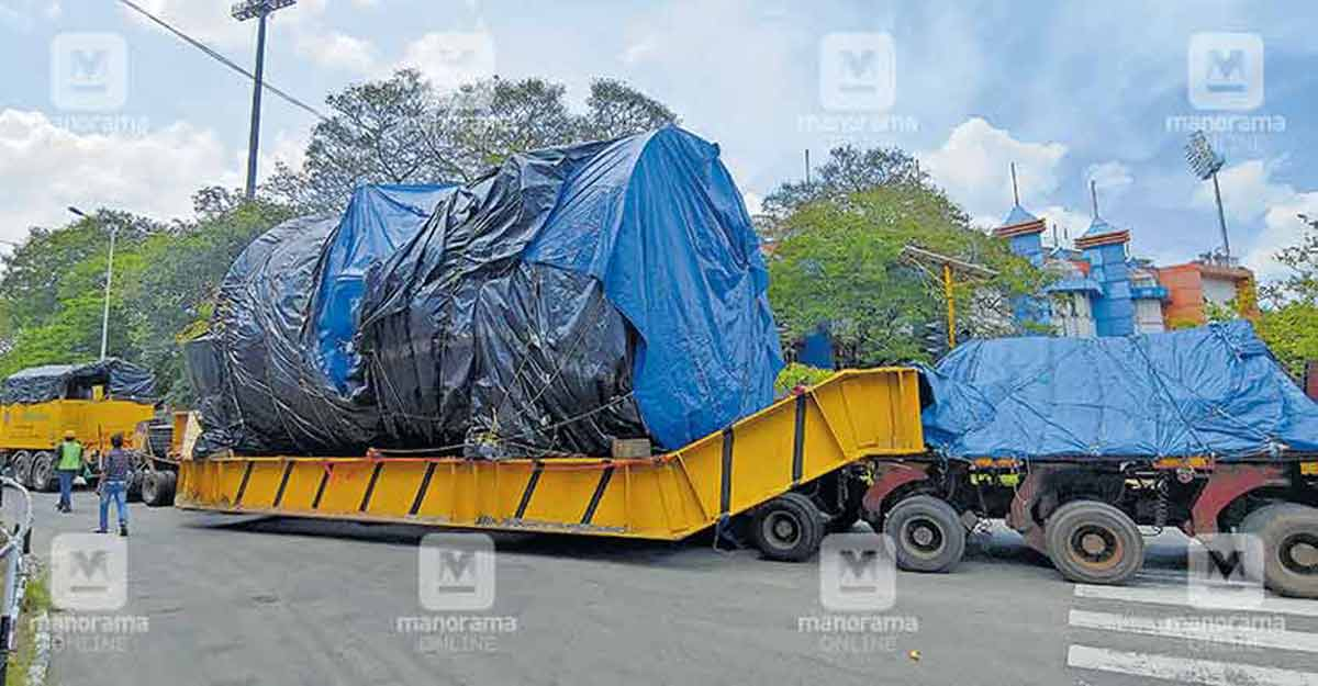 Carrying 70 tonnes, this huge truck travelled just 5km a day