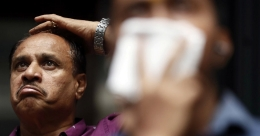Indian shares tumble as tensions with China soar