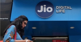 Jio partners AeroMobile to offer mobile services on 22 international flights