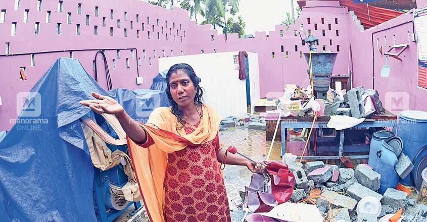 Freak fiery wind stuns people in Kannur village