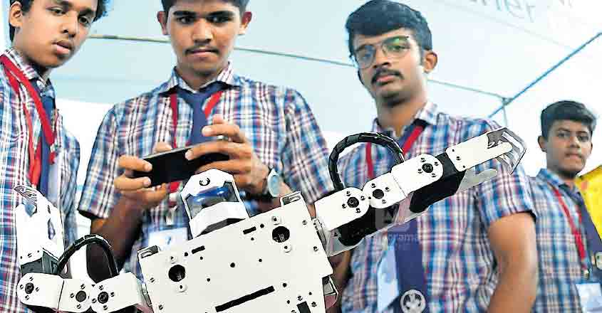 Schools students create 'compounder robot', win top prize