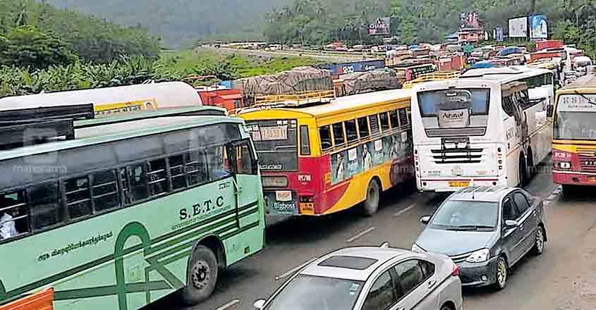 Traffic snarls on Kuthiran stretch annoy motorists no end