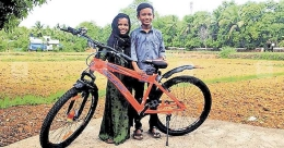 Children, who donated savings to CM's fund, rewarded with a cycle
