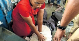 Woman passenger's valiant effort to save elderly man goes in vain