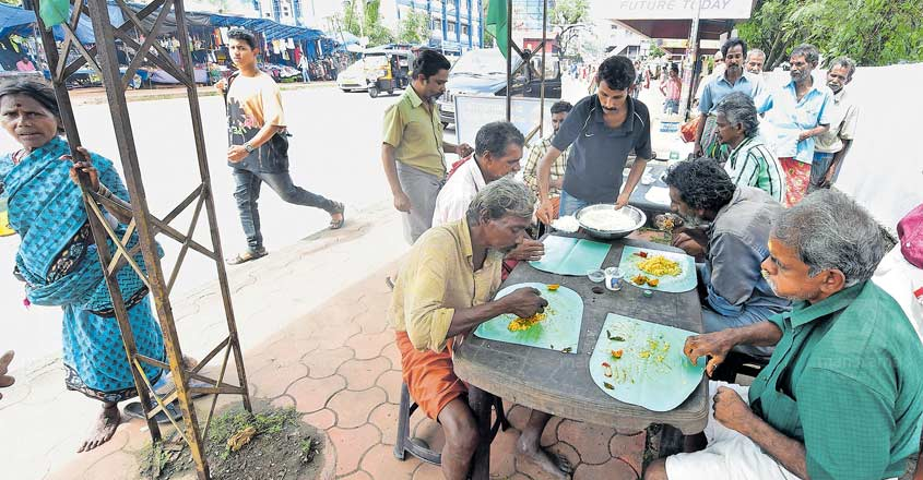 Jaison and team don't let anyone stay hungry in Thrissur