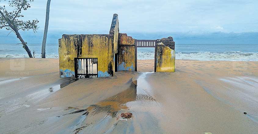 Wait for sea wall still on at Thrissur village
