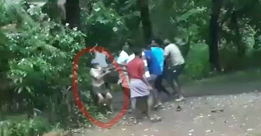 Retired teacher brutally assaulted by gang in Thrissur