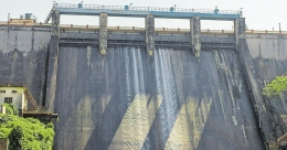 With jammed shutters water still leaks out of Peechi Dam