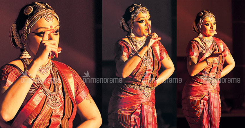 shobana-dance-pics