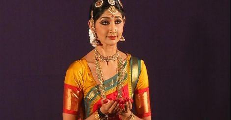 Divya Unni back on stage  with mesmerizing dance steps