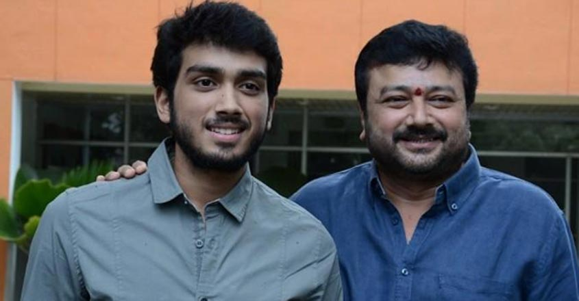 As dad Jayaram falters before English press, son Kalidas comes to the rescue