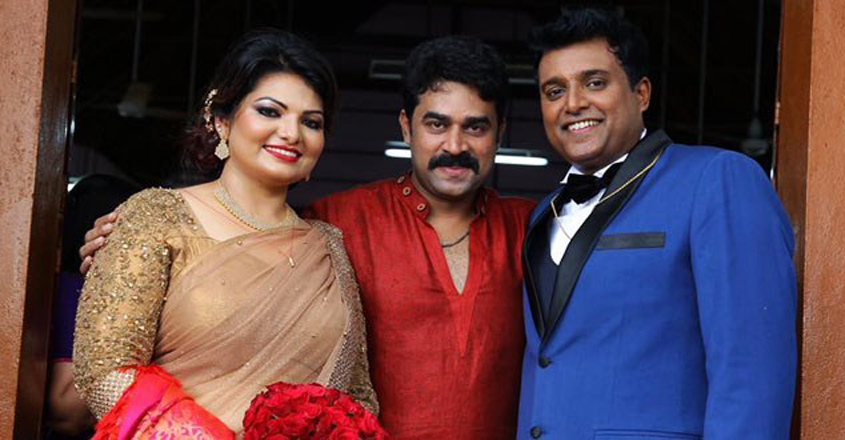 vijay-at-sandra-wedding