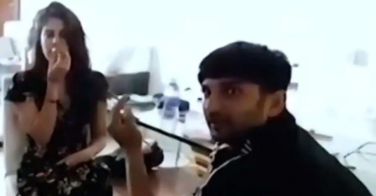 sushant-rhea-smoking