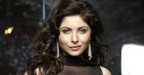 Kanika Kapoor croons for cause of girl child ...