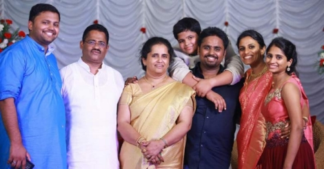 jacobinte-swargarajyam-family