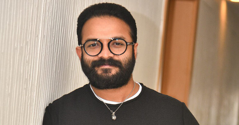 When Jayasurya stepped into V P Sathyan's boots and slapped Anu Sithara