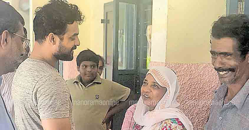 Actor Tovino lauds Malayali's unity for overcoming floods fast