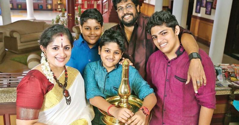 shaji-kailas-family