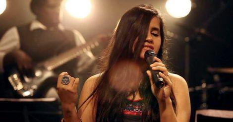 Rahman never lets his singers get nervous: Nikhita