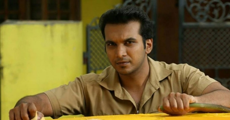 Appoos the dearest returns with 'Mumbaai Taxi'