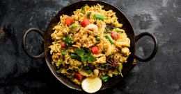 Easy and tasty chicken keema rice