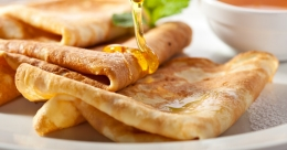 Paris Lakshmi shares her recipe of delicious French crepe
