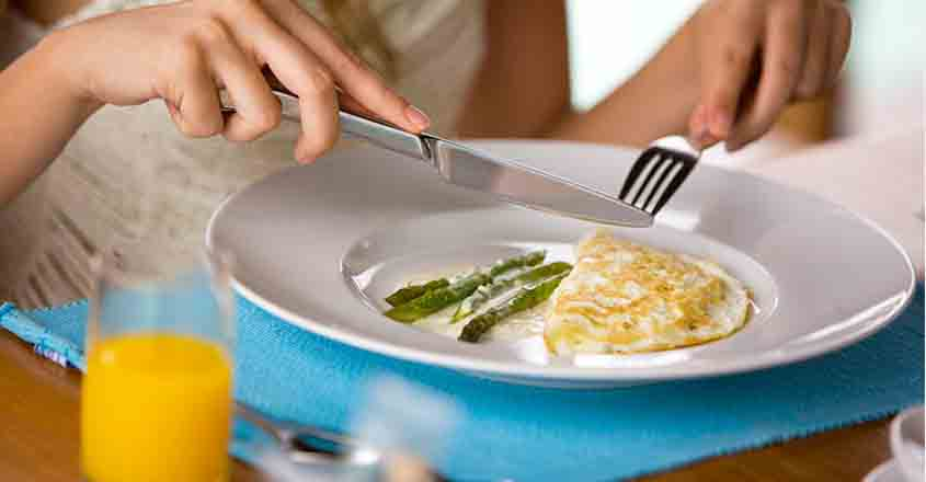Skipping breakfast may lead to obesity, say researches