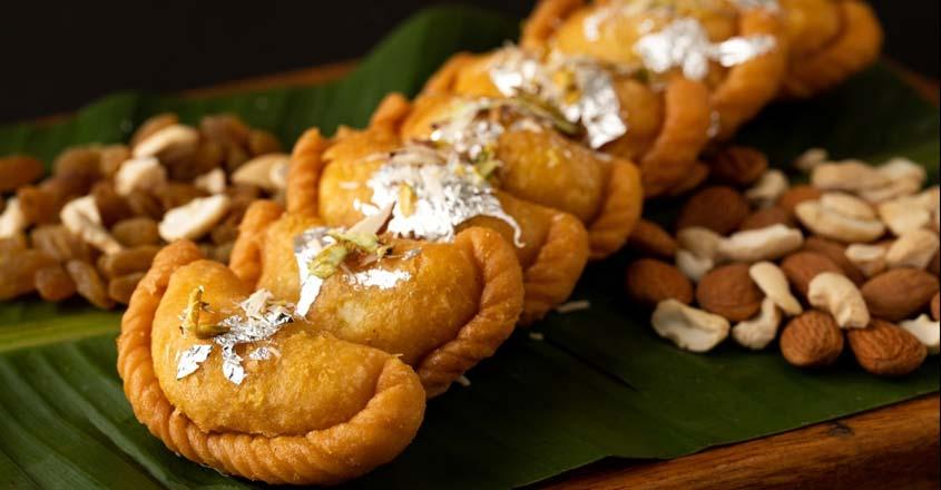 Holi special recipe: Gujiya