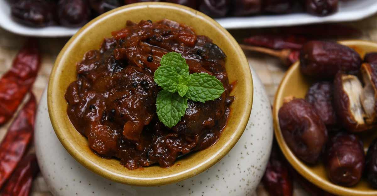 Mango ginger dates curry | Shutterstock