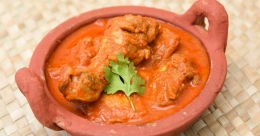 Palakkad style chicken-ash gourd curry