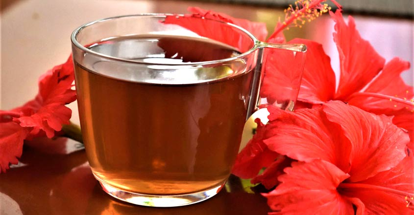 Try this refreshing hibiscus tea for glowing skin and instant weight loss