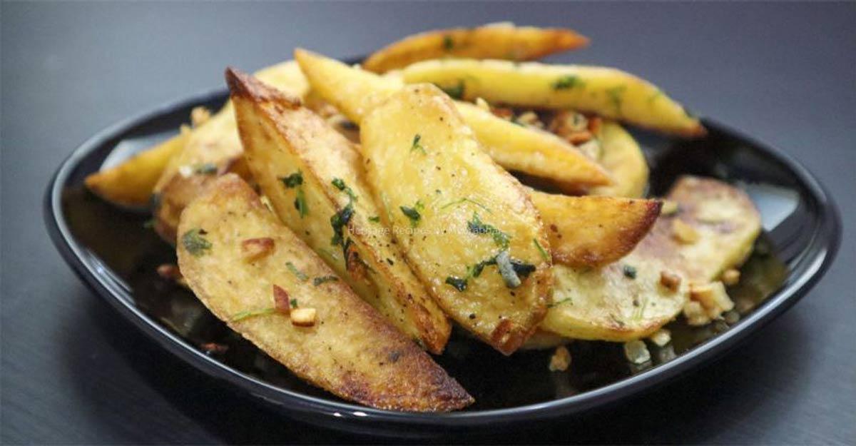 Roasted garlic potato wedges