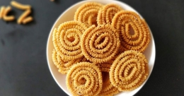 Crunchy rice murukku
