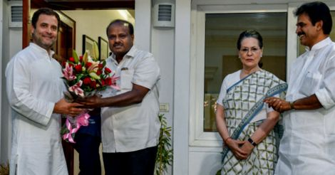 Kumaraswamy meets Sonia & Rahul, says will form stable govt
