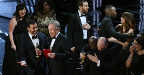 Oscars accountants apologize for Best Picture mistake, vows to investigate
