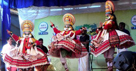 Long-form Kathakali is passe as students take crash courses for Kalolsavam