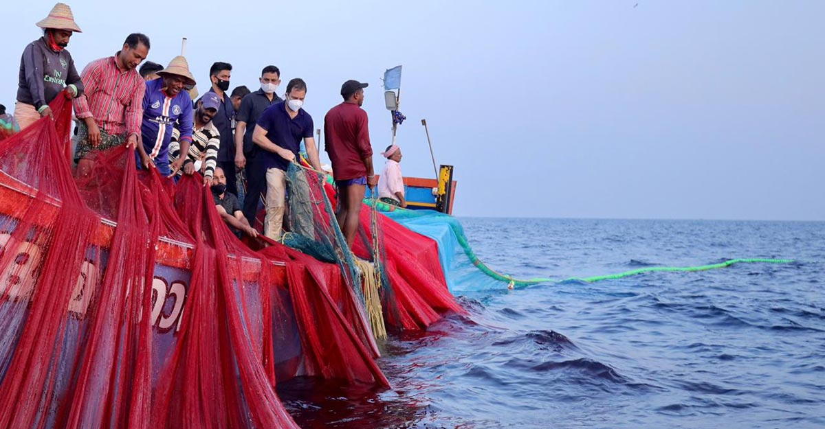 LDF jittery as Rahul Gandhi makes a splash in Kerala's coastal belt