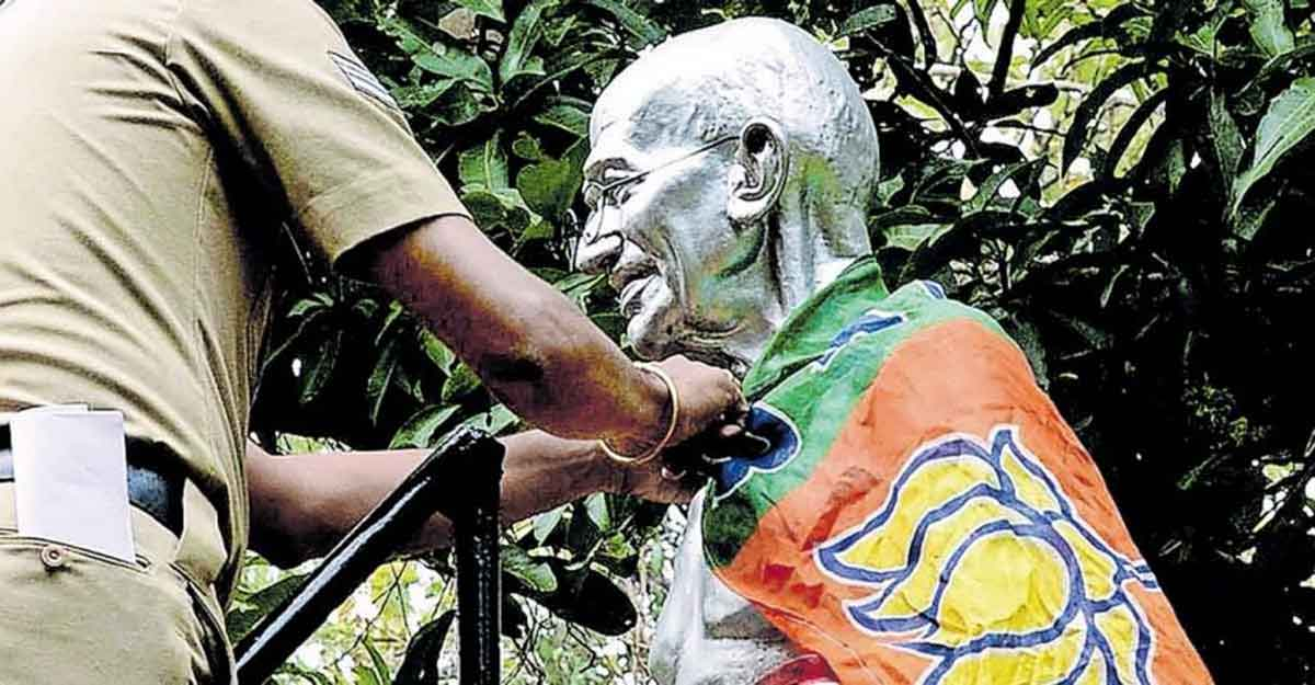 BJP flag found draped on Mahatma Gandhi statue in Palakkad