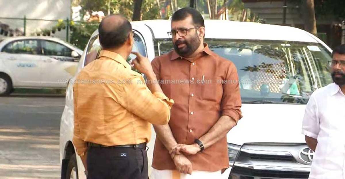 Speaker Sreeramakrishnan's aide appears before Customs in dollar smuggling case