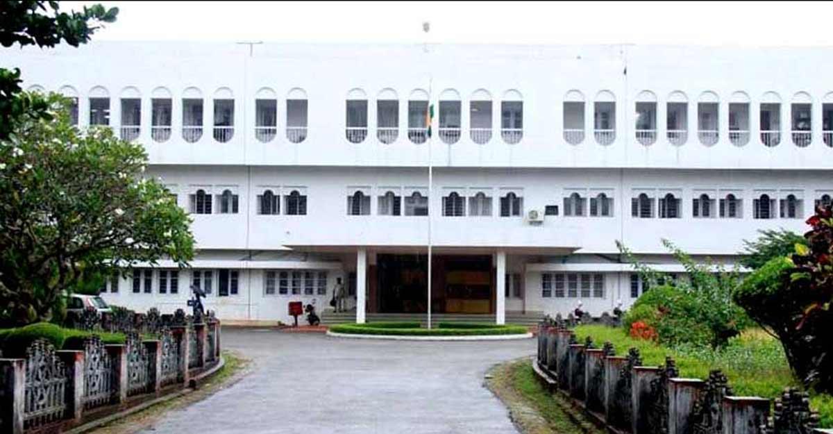 Kerala HC stays move to regularise temporary staff at Calicut University