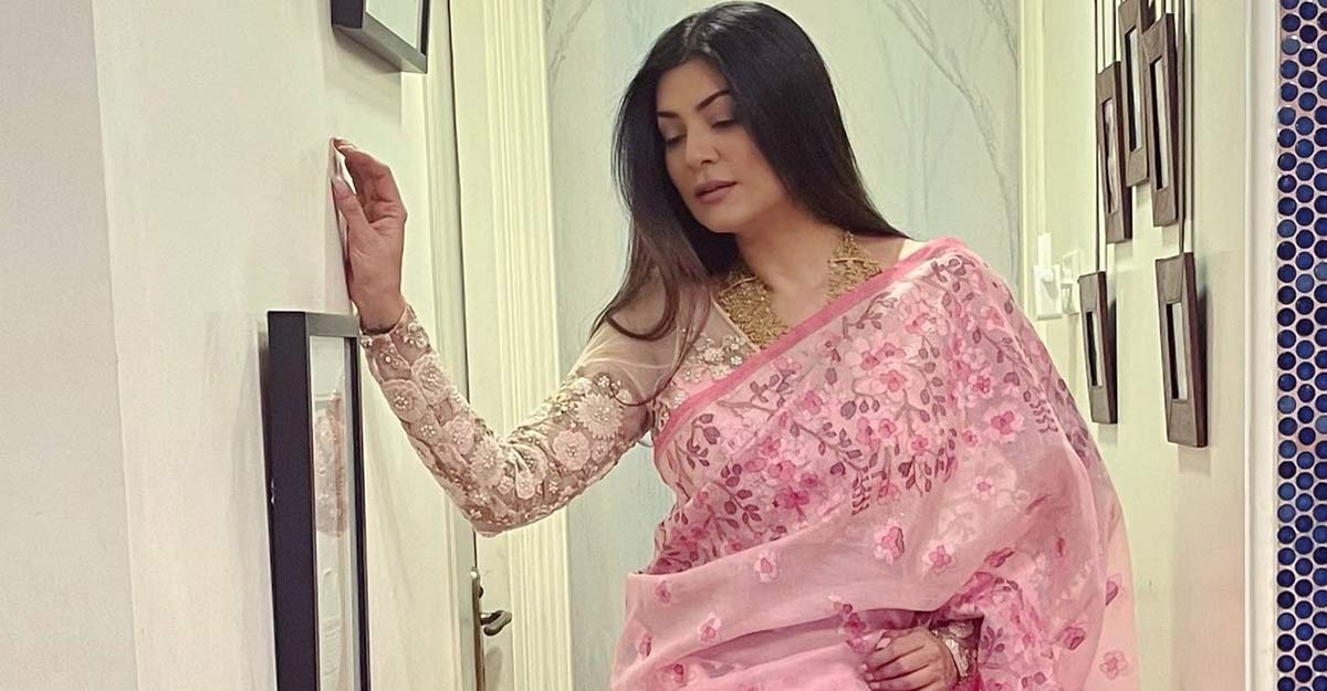 I am hardly conscious about the fashion critics: Sushmita Sen