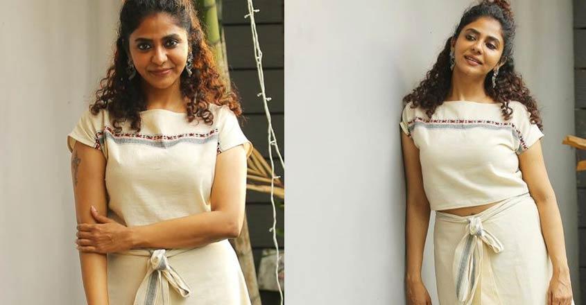Poornima Indrajith awes fans in a specially designed mundu   Lifestyle  Fashion   English Manorama