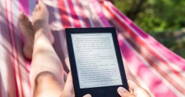 Lockdown forces surge in e-book borrowing from UK's public libraries