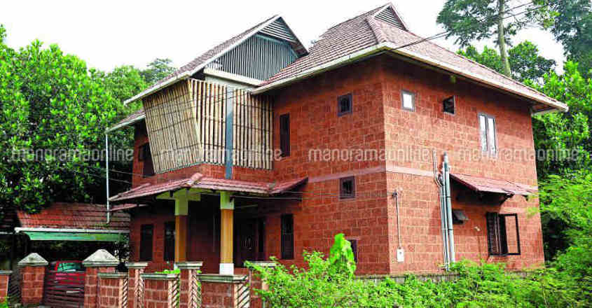 This house near Kochi blends nature's luxury with modern features