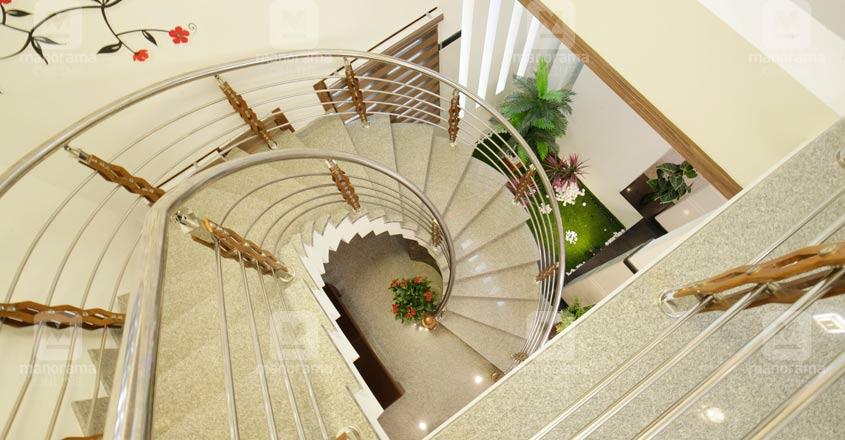 spacious-house-Malappuram-04