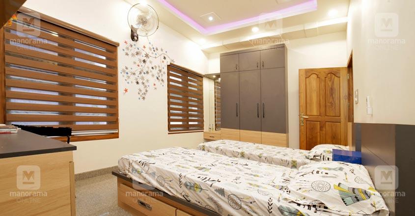 spacious-house-Malappuram-06