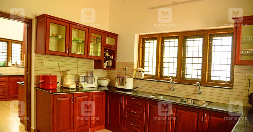 beautyful-house-tiruvalla-05