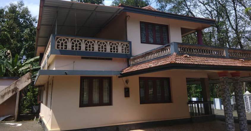 Koothattukulam renovated house-2